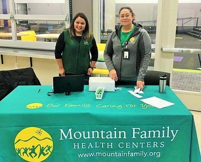 Enrollment-at-Health-Fair-11-2018.jpg